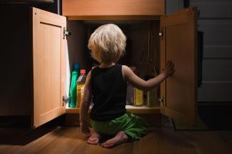 child_poisoning_hazards_gettyimages-82860817.jpg